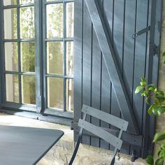 """Résultat de recherche d'images pour """"couleur bleu gris ardoise bois exterieur"""" Shutter Colors, Eco Friendly House, Shutters, My Dream Home, Exterior Design, Cottage, Colours, Patio, Images"""