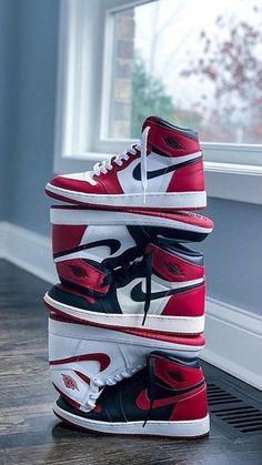 Girls Basketball Shoes, Jordan Shoes Girls, Air Jordan Shoes, Girls Shoes, Red Nike Shoes, Cute Nike Shoes, Swag Shoes, Lit Shoes, Bo Jackson Shoes