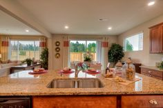 Expansive kitchen island... awesome!