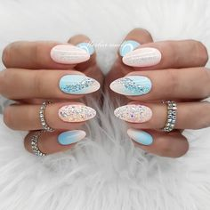 The advantage of the gel is that it allows you to enjoy your French manicure for a long time. There are four different ways to make a French manicure on gel nails. Acrylic Nail Designs, Nail Art Designs, Nails Design, Pink Design, Pink Nails, My Nails, Nagellack Trends, Long Acrylic Nails, Rounded Acrylic Nails