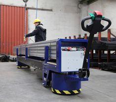 M8 Zallys, Elektrická Ručne Vedená Platforma Pre Prepravu Oceľových Týči A Potrubie. Dvě verzie: max. 4m; max. 6m. Plošina M8 môže byť použitá pre menej náročné aplikácie vyžadujúce ťahanie nákladov alebo na prepravu oceľových tyčí a potrubia. Rýchlost' - 4km/h; Nosnost' platformy 3 000 kg (4 000kg na požiadanie); Max. Sklon 15%. Vyrobené v Taliansku. Baby Strollers, Gym Equipment, Children, Sports, Crane Car, Baby Prams, Young Children, Hs Sports, Boys