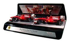 ¿Te gustaría revivir la revivir la carrera del GP de #BAHRAIN que se corrió en 2010? Podrás hacerlo con este set de #FERRARI F1 que condujeron Fernando Alonso y F.Massa. #miniatura #maqueta