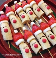christmas food 10 Healthy Christmas Snacks that are perfect for your childs school party, or any festive occasion this holiday season. No sugar in these healthy Christmas snacks your little ones will love. Best Christmas Recipes, Christmas Snacks, Christmas Brunch, Xmas Food, Christmas Breakfast, Christmas Appetizers, Christmas Cooking, Christmas Goodies, Holiday Treats
