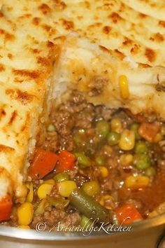 This recipe for the ultimate comfort food, Super Shepherd's Pie is a family favourite. Ground beef and veggies smothered in a rich tasty gravy, topped with mashed potatoes. If you like add a layer of melted cheese for even more incredible flavour! Casserole Recipes, Meat Recipes, Cooking Recipes, Healthy Recipes, Recipies, Dinner Recipes, Comfort Food Recipes, Dinner Ideas, Chicken Recipes
