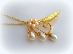 """50% SALE Vintage Yellow Gold GP White Faux Pearl Flower Leaf NOS Pendant~Free 18"""" Necklace Chain~Wedding Party Favors~ Bridesmaids Gift by VintageTrinkets4u, $1.00"""