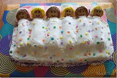 I can totally do this for niece's sleep-over birthday party! Never baked a cake before, but who cares? lol