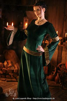 medieval dresses are so simple, yet gorgeous