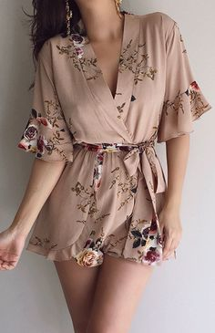 Shared by Shorena Ratiani. Find images and videos about girl, fashion and style on We Heart It - the app to get lost in what you love. Cute Summer Outfits, Spring Outfits, Cool Outfits, Casual Outfits, Cute Sleepwear, Sleepwear Women, Dress Outfits, Fashion Dresses, Look Fashion