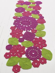 HANDMADE RUG WITH FLORAL PATTERN CROCHET HIGH TECH COLLECTION DESIGN BY PATRICIA URQUIOLA, ELIANA GEROTTO | PAOLA LENTI