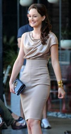 Leighton Meester Photos: 'Gossip Girl' Films at the Standard