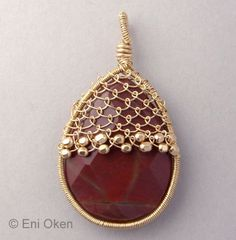 Netted Cap for Flat Pear PDF tutorial por EniOken en Etsy Wire Wrapped Jewelry, Metal Jewelry, Beaded Jewelry, Handmade Jewelry, Jewellery, Wire Wrapped Pendant, Viking Knit, Wire Crochet, Wire Weaving