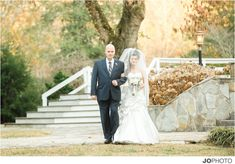 View pictures from the photo galleries of Dara's Garden Wedding Venue located in Knoxville, TN.