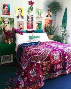 Check out our gorrrrrgeous 'Goddess Calliope' vintage boujaad rug on the bed!   She's like a glorious, billowing skirt for all of our Frida's, who still adorn my walls, because I love them   Calliope was the muse of epic poetry, daughter of Zeus & Mnemosyne and the wisest of all muses!   You can find this incredible beauty over on @shop_laboheme NOW