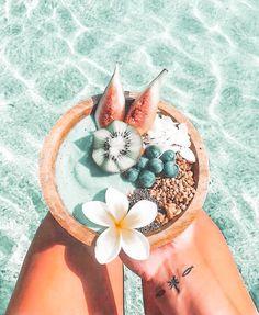 Peach Aesthetic, Aesthetic Food, Summer Aesthetic, Aesthetic Pastel Wallpaper, Aesthetic Wallpapers, Cute Food, Yummy Food, Comida Disney, Kreative Desserts