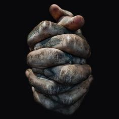 Lee Jeffries Male Hands, His Hands, Gemini Rising, Working Hands, Hand Pose, Hand Photography, Old Faces, Indian Paintings, Lee Jeffries