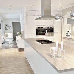 38 The Best Modern Scandinavian Kitchen Inspirations - Popy Home Nordic Kitchen, Scandinavian Kitchen, Kitchen Living, Scandinavian Modern, Living Room, White Kitchen Cabinets, Kitchen Cabinet Design, Interior Design Kitchen, Kitchen White