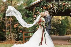 """Winter is Coming"" Woodsy Wedding Inspiration - Green Wedding Shoes Woodsy Wedding, Red Wedding, Fall Wedding, Winter Wedding Shoes, Green Wedding Shoes, Winter Weddings, Wedding Portraits, Wedding Photos, Wedding Ideas"