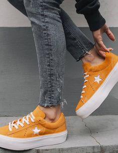 37 meilleures images du tableau Orange   Chaussures oranges