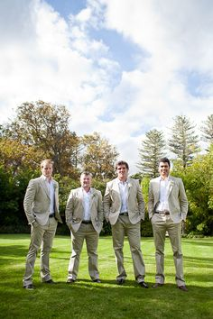 Linen suits are the perfect wear for the groom's men #StudioSuits #LinenSuits #TailoredSuits