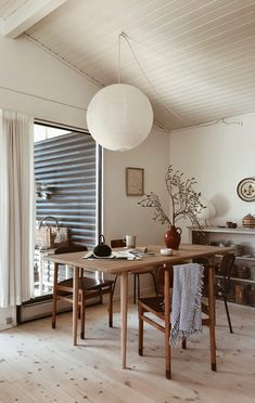 A Danish Summer Cabin Near The Sea – THE STYLE FILES Dining Room Inspiration, Home Decor Inspiration, Decor Ideas, Home Decor Styles, Cheap Home Decor, Home Renovation, Home Remodeling, Interior Architecture, Interior Design