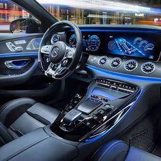 O novo avião Mercedes-AMG GT 4-Door Coupé
