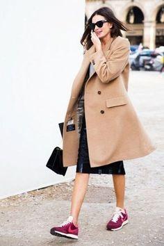 ٢٥ إطلالة يمكنك تقليدها لتنسيق المعطف الطويل مع ملابسك هذا الشتاء