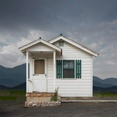 Ed Freeman: Western Realty   #usa #america #dessert #architecture #lonely #abandoned