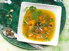 Die Kürbiseintopf-Rezepte von EAT SMARTER bringen Sie wärmend durch den Winter!