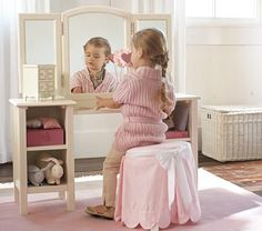 soooo buyin this play vanity for Kensi when she's older. they even have fake hair styling stuff to play with :D
