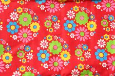Vintage Red Fabric with Daisies Remnant 1 Yard by pixiedustlinens Textile Patterns, Cool Patterns, Red Fabric, L Shape, Vintage Fabrics, Daisy, Kids Rugs, Sewing, Knitting