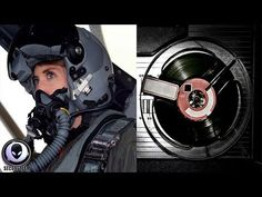 EERIE AUDIO: Pilots Are Seeing Things They Can't Explain Aliens And Ufos, Mysterious Places, Navy Military, Space Time, End Of Life, Weird Stories, Tornados, Interstellar, Conspiracy