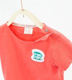http://www.zara.com/es/es/niños/bebe-niña-|-3-meses-3-años/tops/-c557501p3205095.html