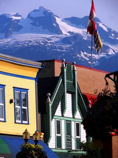 The canadian Rockies town Revelstoke is a great outdoors place with Lakes, Hikes, Biking and its Glacier National Park. Revelstoke Bc, Canadian Rockies, Paddle Boarding, Rock Climbing, Old Pictures, British Columbia, Biking, Lakes, Places Ive Been