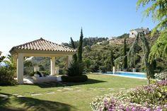 Villa sale in El Madroñal, Costa del Sol 2.400.000€. Reference: V1085-OM For more information: http://www.one-marbella.com/en/listing/spain/costa-del-sol/el-madronal/villa/24235/