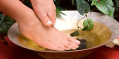 miracle potions: natural formula for heel fractures – suna dumankaya - travelword. Serving Bowls, Skin Care, This Or That Questions, Healthy, Nature, Planks, Nail Design, Woman, Oak Tree Bark