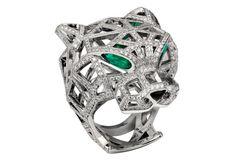 Anel Panthere em ouro branco diamantes e esmeraldas, Cartier(preço sob consulta) - Foto: divulgação