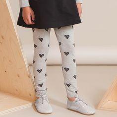 ROMANSSI leggings, mel.harm | Leikkisä lasten syysmallisto 2016 on nyt saatavilla. Tee tilaus NOSH vaatekutsuilla, edustajalta tai verkosta nosh.fi (This clothing collection is available only in Finland but you can shop these wonderful fabrics online en.nosh.fi).