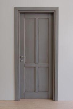 cod. S 230   porta laccata vissuta grigio