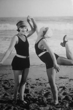 vintage everyday: Beach Flappers – 31 Gorgeous Vintage Photos of Fashionable Girls in Their Swimsuits in the 1920s