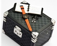 The Damier Diver, LV