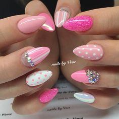 #nails #nailart #handpainted #instanails #gelnails #fashionnails #swarovski #summernails