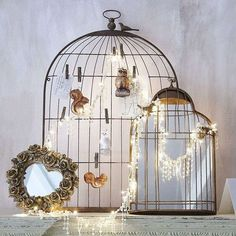 birdcages and string lights Shabby chic decorating ideas Birdcage Lamp, Shower Accessories, House Accessories, Jewelry Hanger, Beautiful Mirrors, Bird Cages, Make Design, Shabby Chic Decor, String Lights