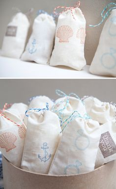 Wedding DIY ~ hand-stamped muslin favor bags!