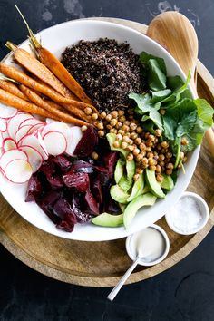 15 Healthy and Delicious Dinners To Make With Your Pantry Staples – Root Vegetable & Quinoa Salad with Tahini-Maple Vinaigrette - Camille Styles Quinoa Salad Recipes, Vegetarian Recipes, Healthy Recipes, Chickpea Salad, Kale Recipes, Rib Recipes, Roast Recipes, Bean Recipes, Sausage Recipes