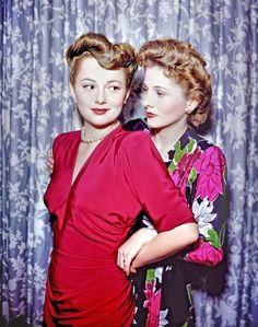 Álbum de família: as irmãs Olivia de Havilland & Joan Fontaine em 1940…