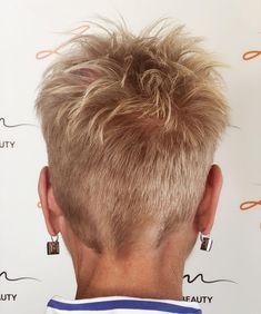 Short Hair Over 60, Short Choppy Hair, Short Sassy Hair, Super Short Hair, Short Grey Hair, Short Hair Cuts For Women, Short Blonde Pixie, Short Pixie Haircuts, Cute Hairstyles For Short Hair