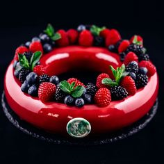 """2,471 mentions J'aime, 39 commentaires – Nina Tarasova (@niksya) sur Instagram : «Entremet """"Wreath"""" from my hands on master-class in St. Petersburg. Composition: biscuit with red…»"""
