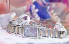BST Đồng Hồ Citizen Chính Hãng Nam Nữ Đẹp Mạ Vàng 2015  Citzen là thương hiệu đồng hồ cao cấp được săn đón hàng đầu ở Việt Nam với những chiếc đồng hồ citizen chính hãng sang trọng, thiết kế đẹp, mẫu mã đa dạng, chất lượng Nhật Bản siêu bền.   Hãy cùng điểm qua thông tin chi tiết về 3 mẫu đồng hồ citizen nam chính hãng mạ vàng và 2 mẫu đồng hồ citizen nữ chính hãng dành cho nữ bên dưới và chọn ra mẫu bạn đang cần nhé!