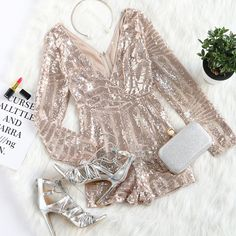 To find out about the Sequined Crossover Sleeved Romper ROSE GOLD at SHEIN, part of our latest Jumpsuits ready to shop online today! Dress Outfits, Dress Up, Cute Outfits, Fashion Outfits, Womens Fashion, Skirt Fashion, Fashion News, Summer Outfits, Party Wear