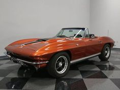 Chevrolet: Corvette 500 hp 350 ci motor full frame off resto w lots of photos too much to list